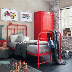 rood staal bed