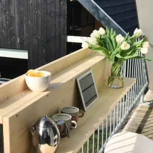roomed-balkon-tafel