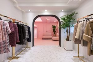 Roomed - Roze showroom