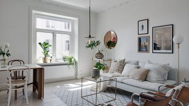 Woonkamer witte appartement