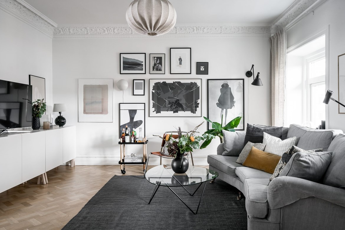 gallery wall zwart wit interieur