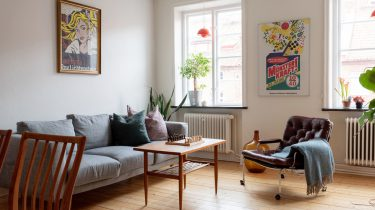 vintage posters in appartement